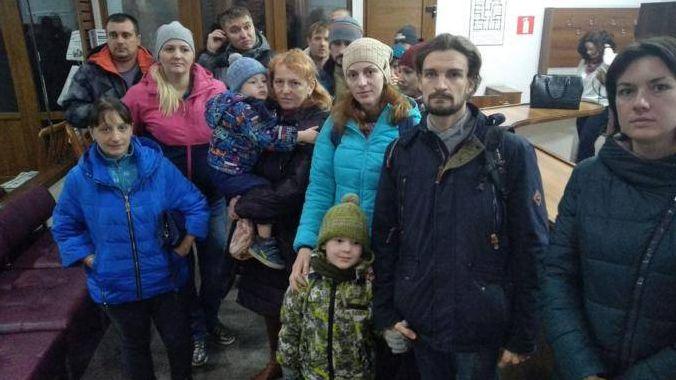 19 молодых семей не пустили в зал на публичные слушания по бюджету Барнаула