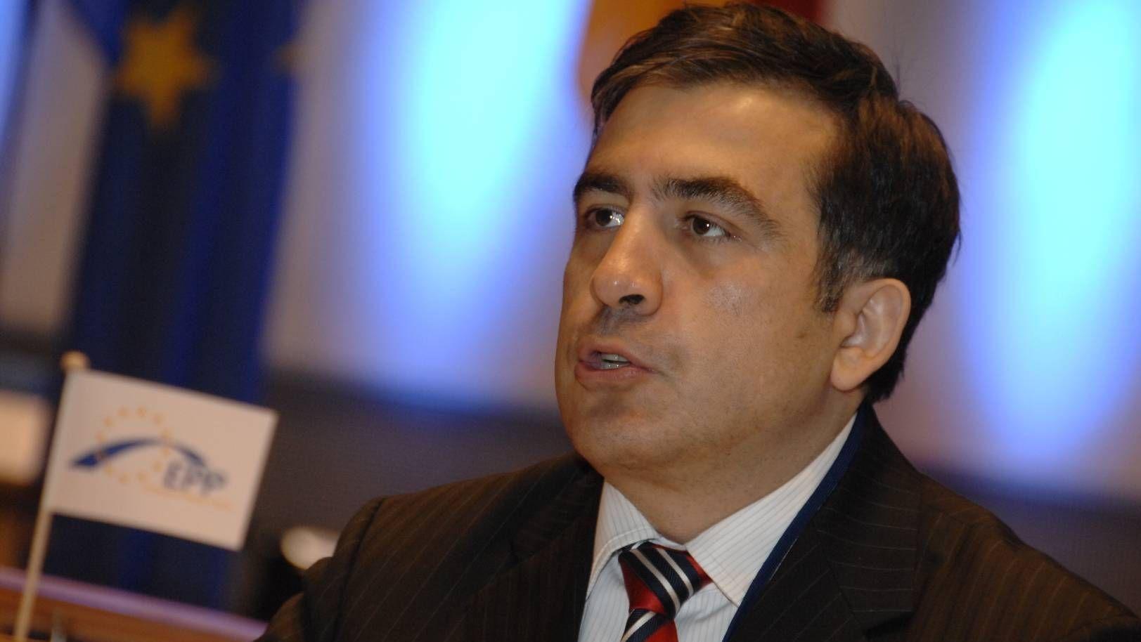 «Ситуация неготова». Саакашвили решил пока невозвращаться вГрузию