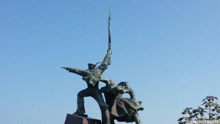 Крым монумент Солдат и Матрос