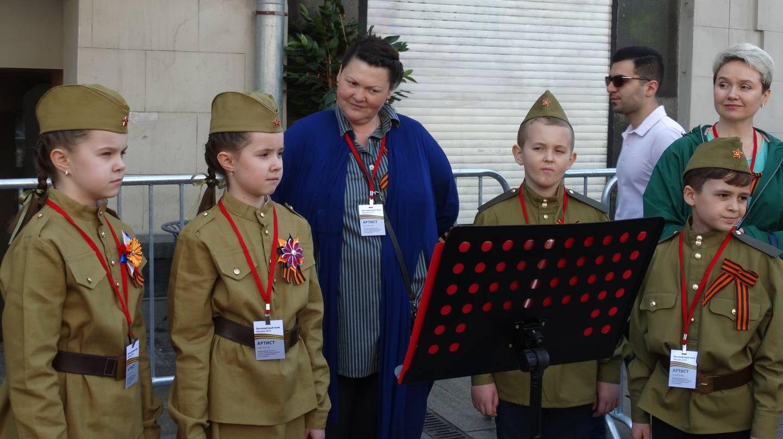 Москва. Детский ансамбль на «Бессмертном полку»