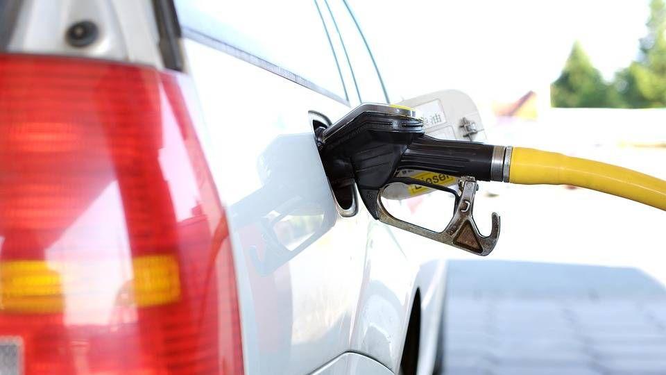 Омский бензин стал стоить практически 50 руб.