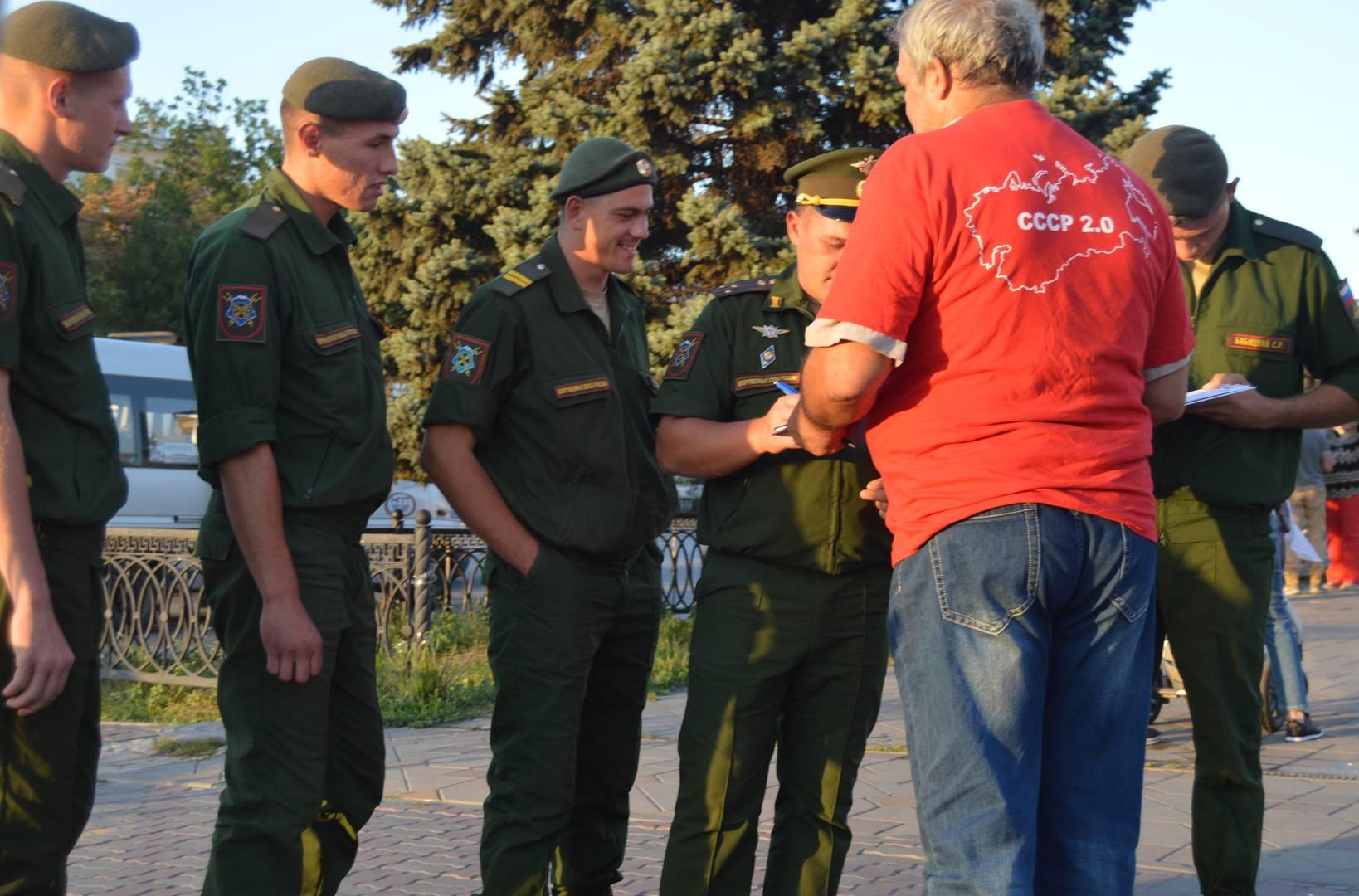 Сбор подписей против пенсионной реформы в Ульяновске. 22 сентября 2018 г.