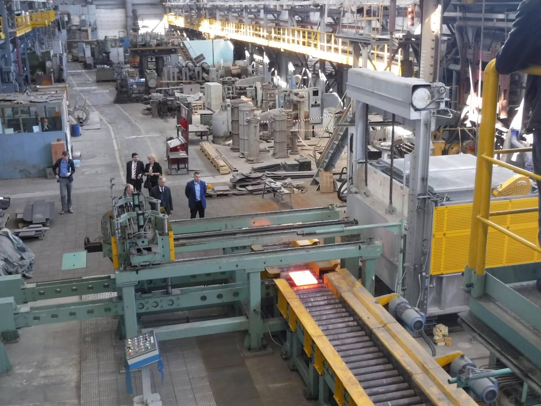 Прокатный стан позволяет «экспериментировать» с малыми образцами металла в условиях, близких к промышленным