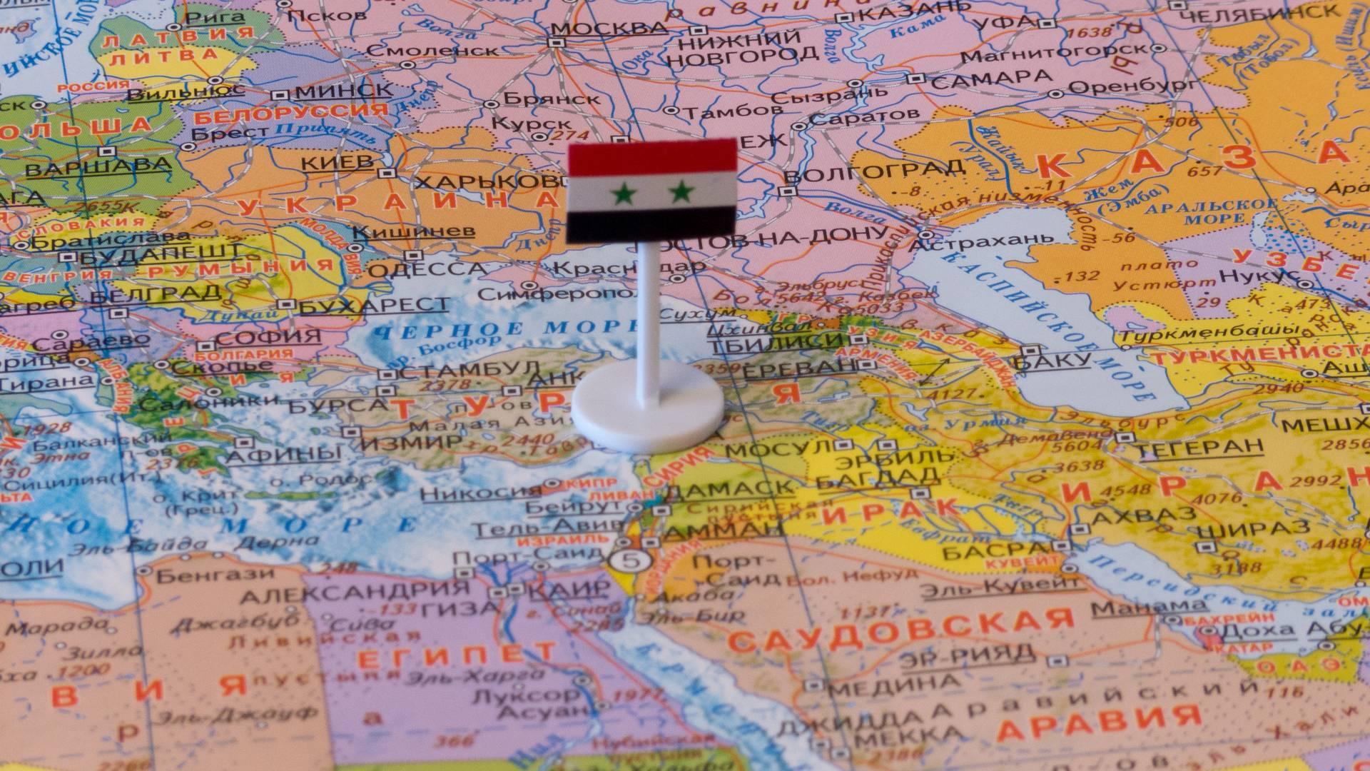 Сирия с флагом на карте мира