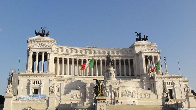 Президент Италии распустил национальный парламент