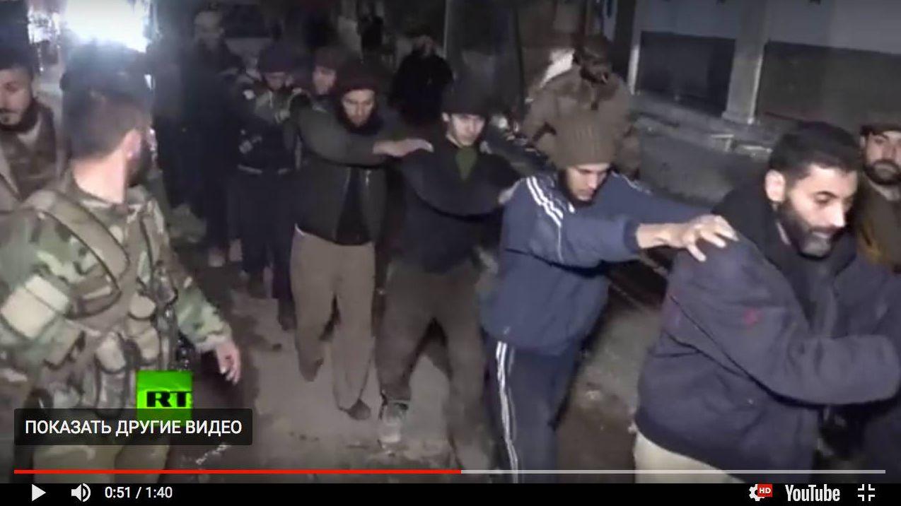 Разоруженные боевики покидают Восточную Гуту