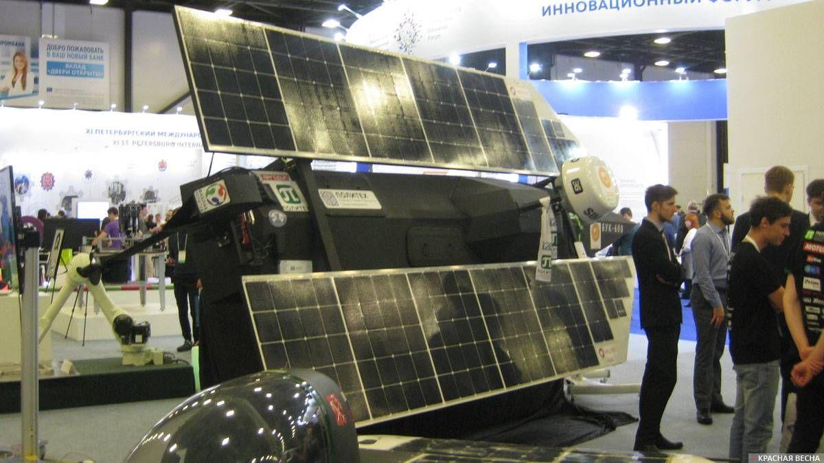 Беспилотный катер на солнечных батарейках БУК-600 (Политех). Санкт-Петербург, Экспофорум. 28.11.2018 г.