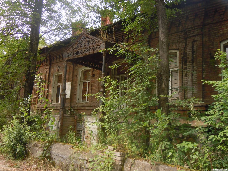 Памятник архитектуры конца XIX — начала XX века – Дом управляющего Кусинским заводом