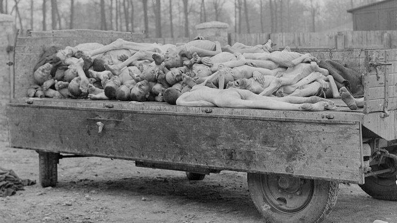 Отгрузка трупов в лагере Бухенвальд