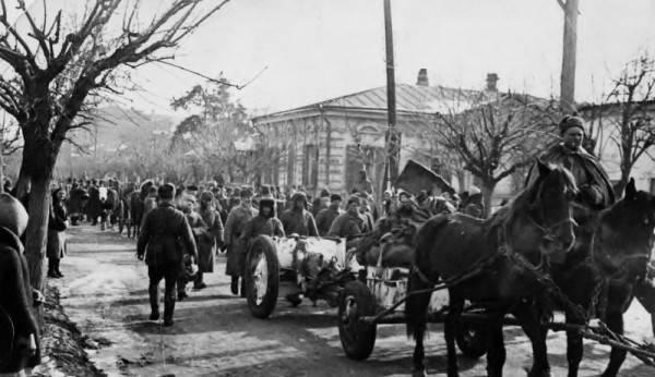 Бойцы Красной Армии входят в Краснодар
