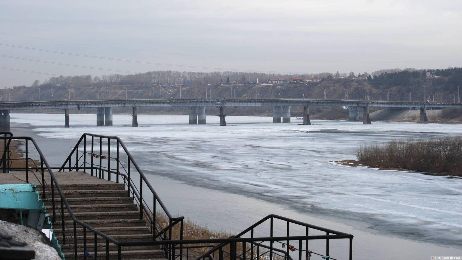 самом мост через томь в кемерово фото джун был арестован