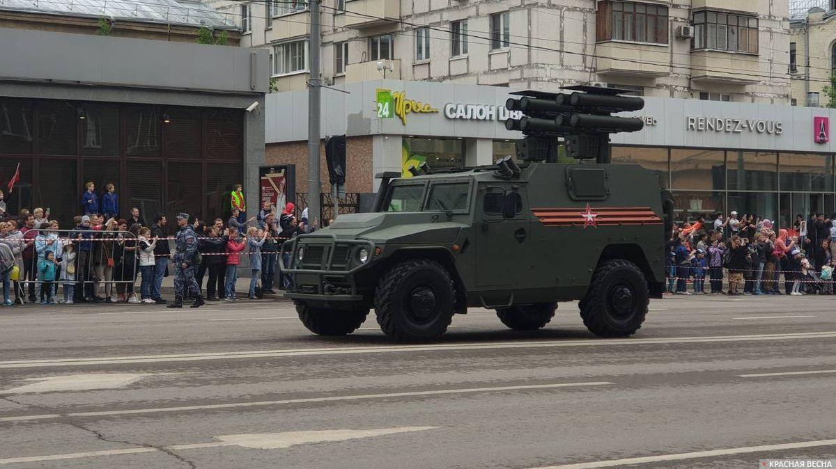 Автомобиль «Тигр-М» с противотанковым комплексом «Корнет-Д» на параде в Москве