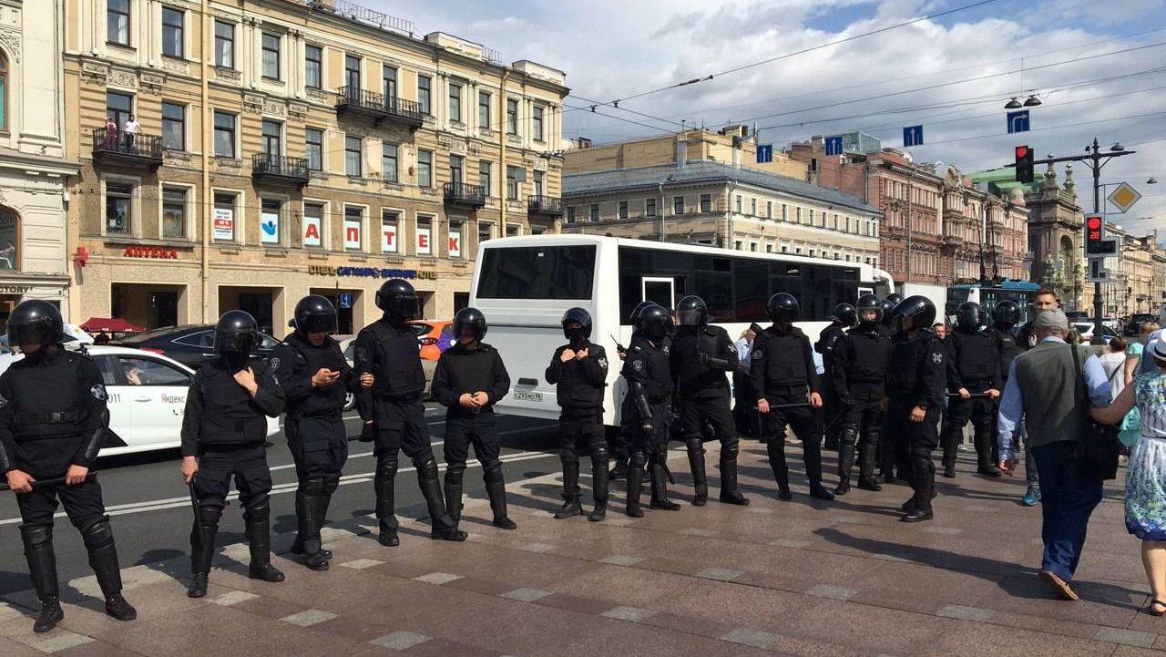 Несогласованный митинг в Санкт-Петербурге