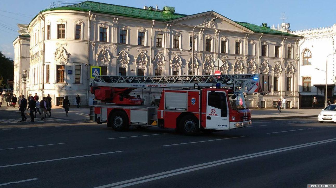 ТЦ «Времена года» вЗАОэвакуировали из-за возгорания накрыше