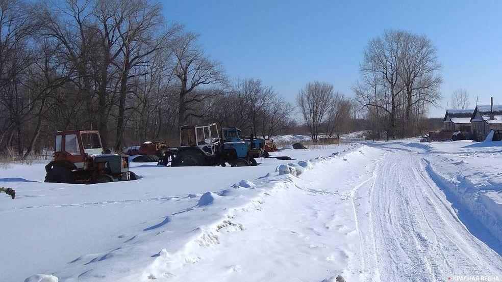 Сельская дорога зимой