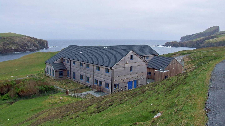 Орнитологический центр на острове Фэр-Айл до пожара