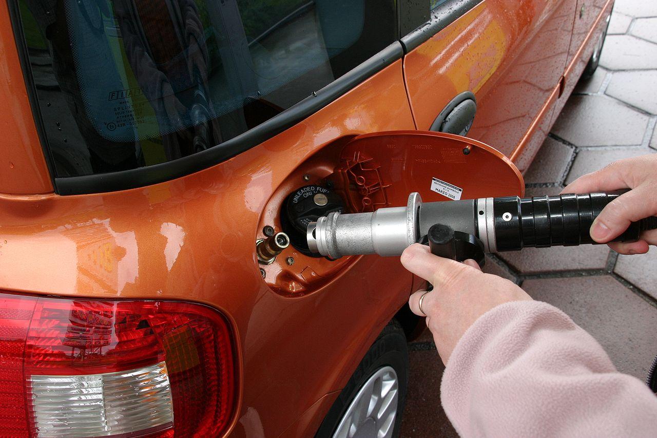 Заправка природным газом [(cc) Andreas Geick]