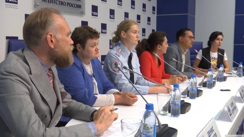 Пресс-конференция о профилактике домашнего насилия, Екатеринбург