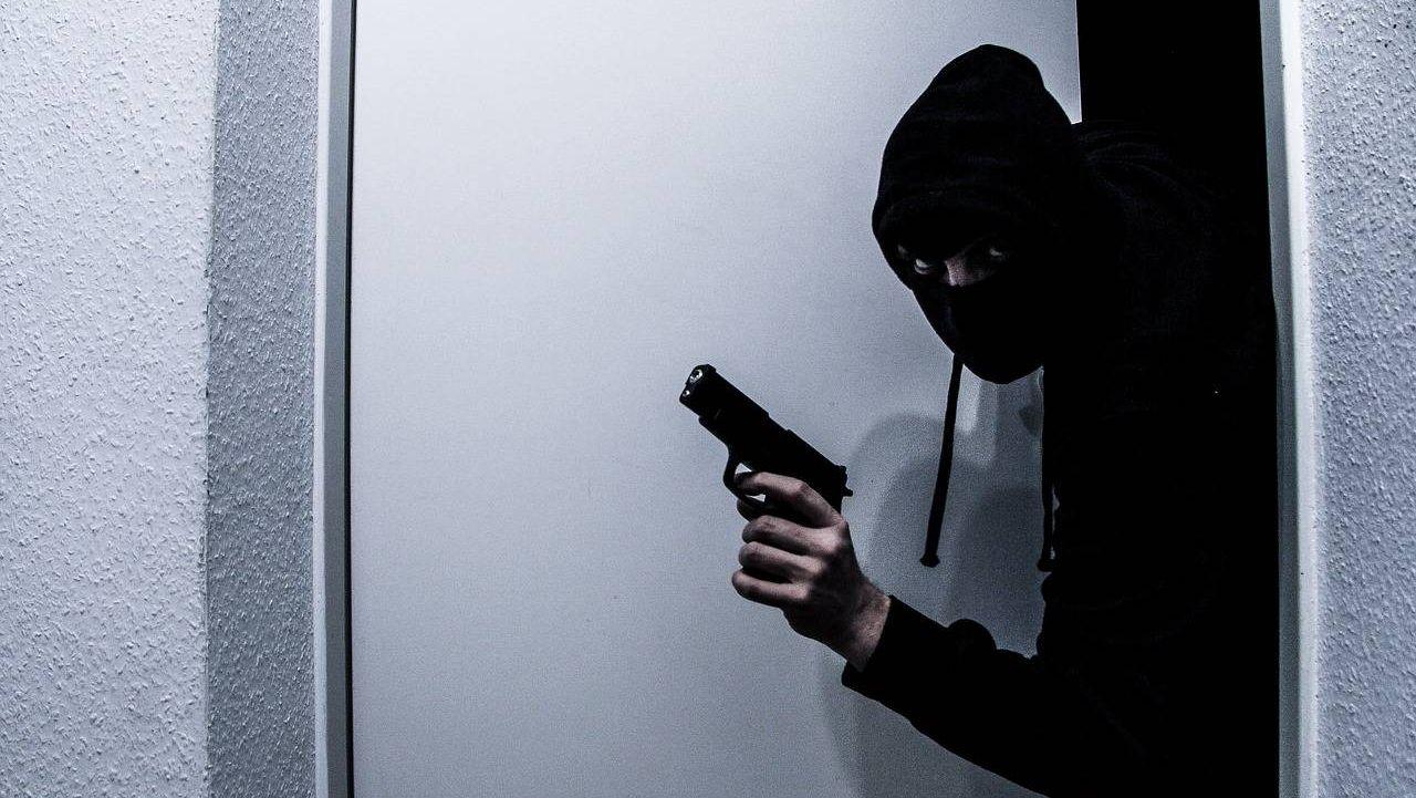 капюшон, банда, ограбление
