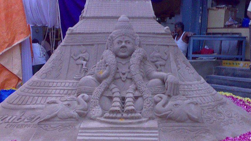 Бог Айяппа из песка