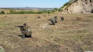 Навидео показали отъезд колонны бронетехники изЛуганска вДонецк