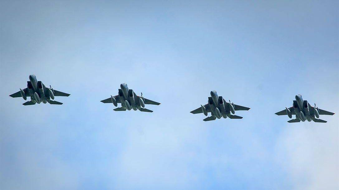 Истребители F-15C Eagles