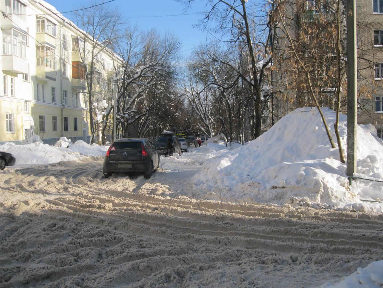 Завалы снега по переулку Новый, Сергиев Посад.