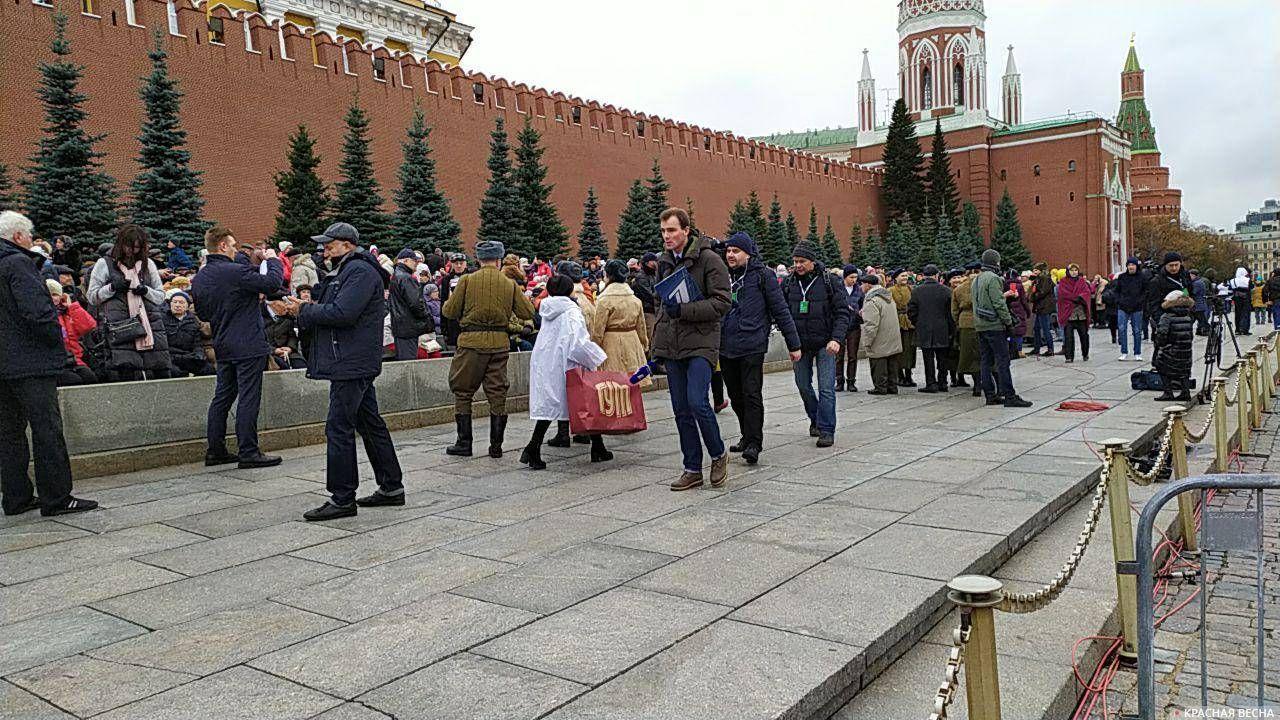 У трибун, Красная площадь 7 ноября 2019 года