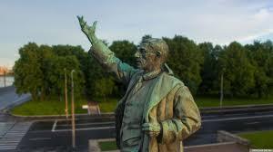 Памятник Володарскому