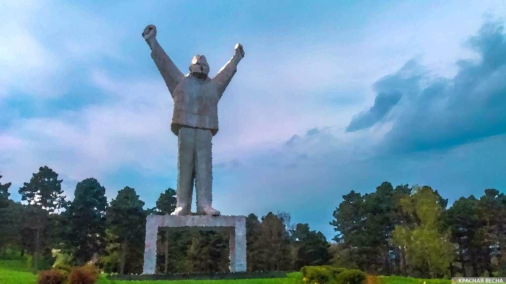 Памятник партизану Степану Филипович. Валево. Сербия.