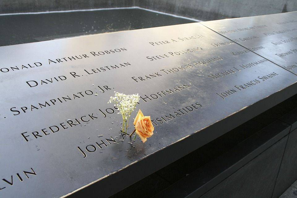 Памятник 11 сентября. Нью-Йорк