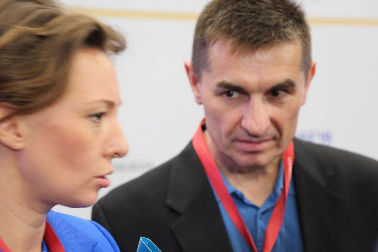 УПР Анна Кузнецова общается с журналистами