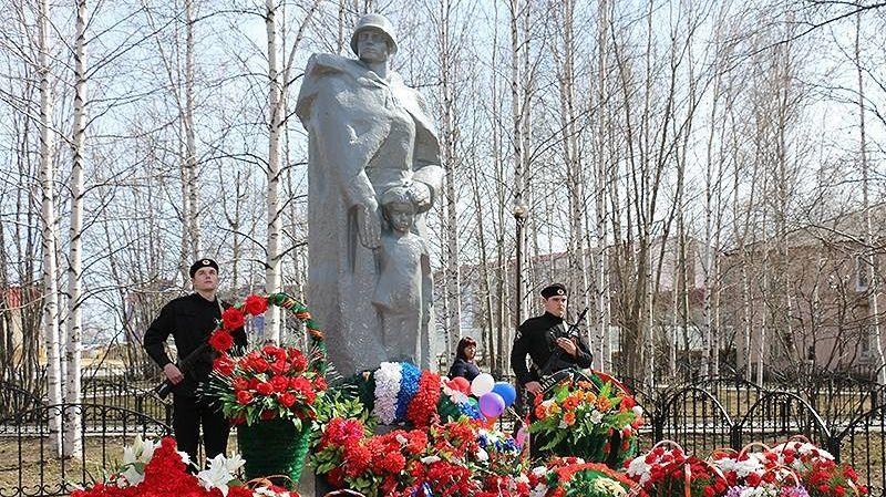 Памятник Воину-освободителю в Мегионе