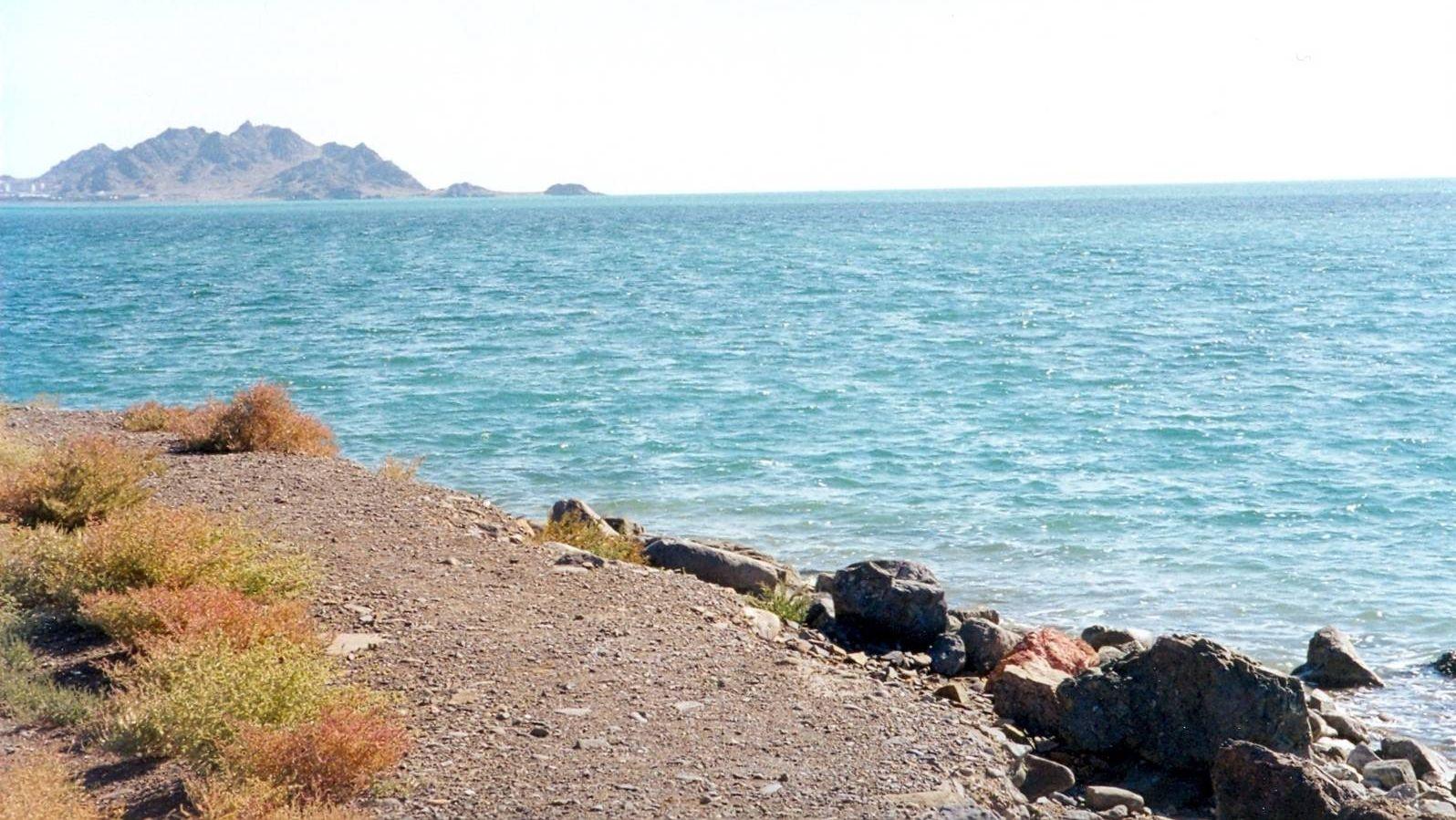 Каспийское море - вид с туркменского берега - 2000 год.