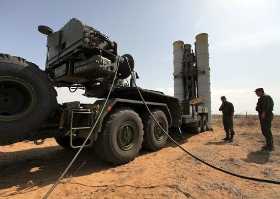 Зенитно-ракетная система С-400 «Триумф» производства концерна «Алмаз-Антей»