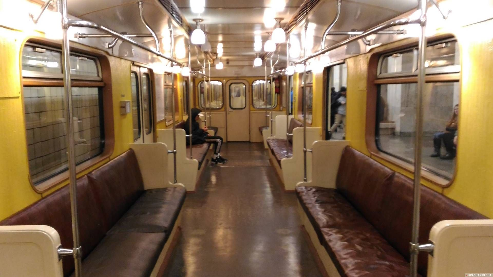 Wi-Fi в вагоне поезда Московского метрополитена