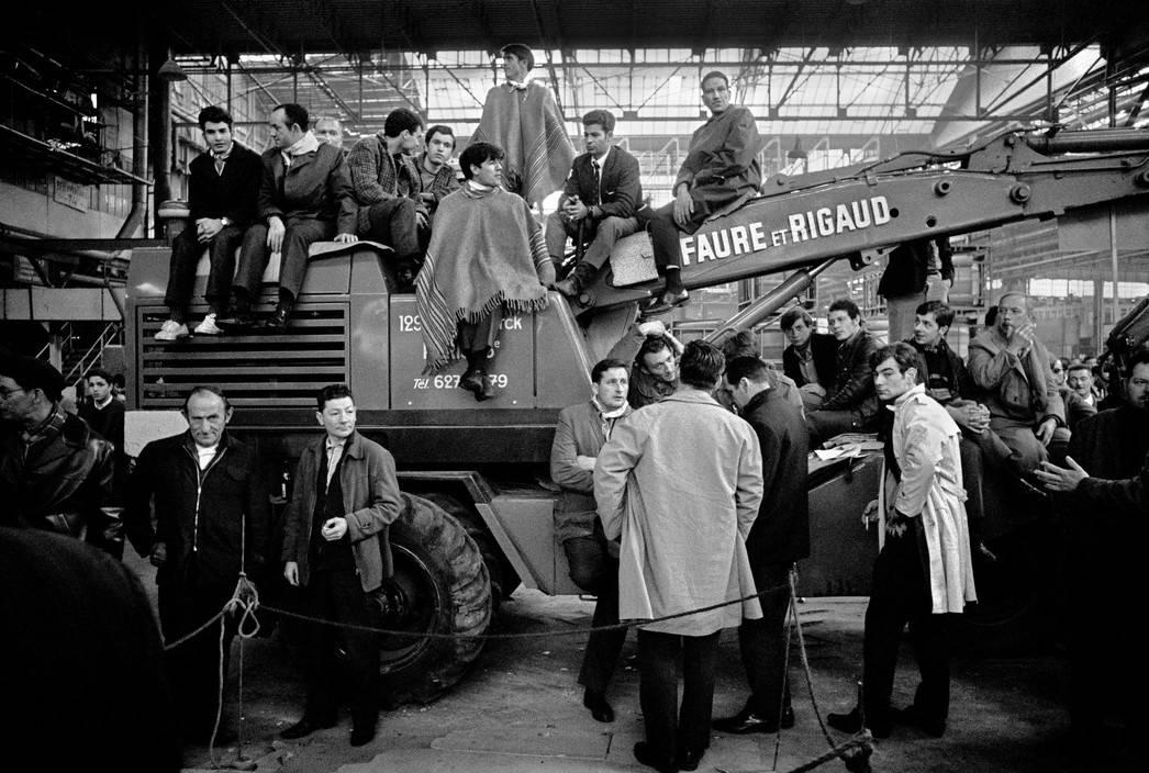 Бруно Барби. Бастующие рабочие на фабрике Рено. 27 мая 1968 г.