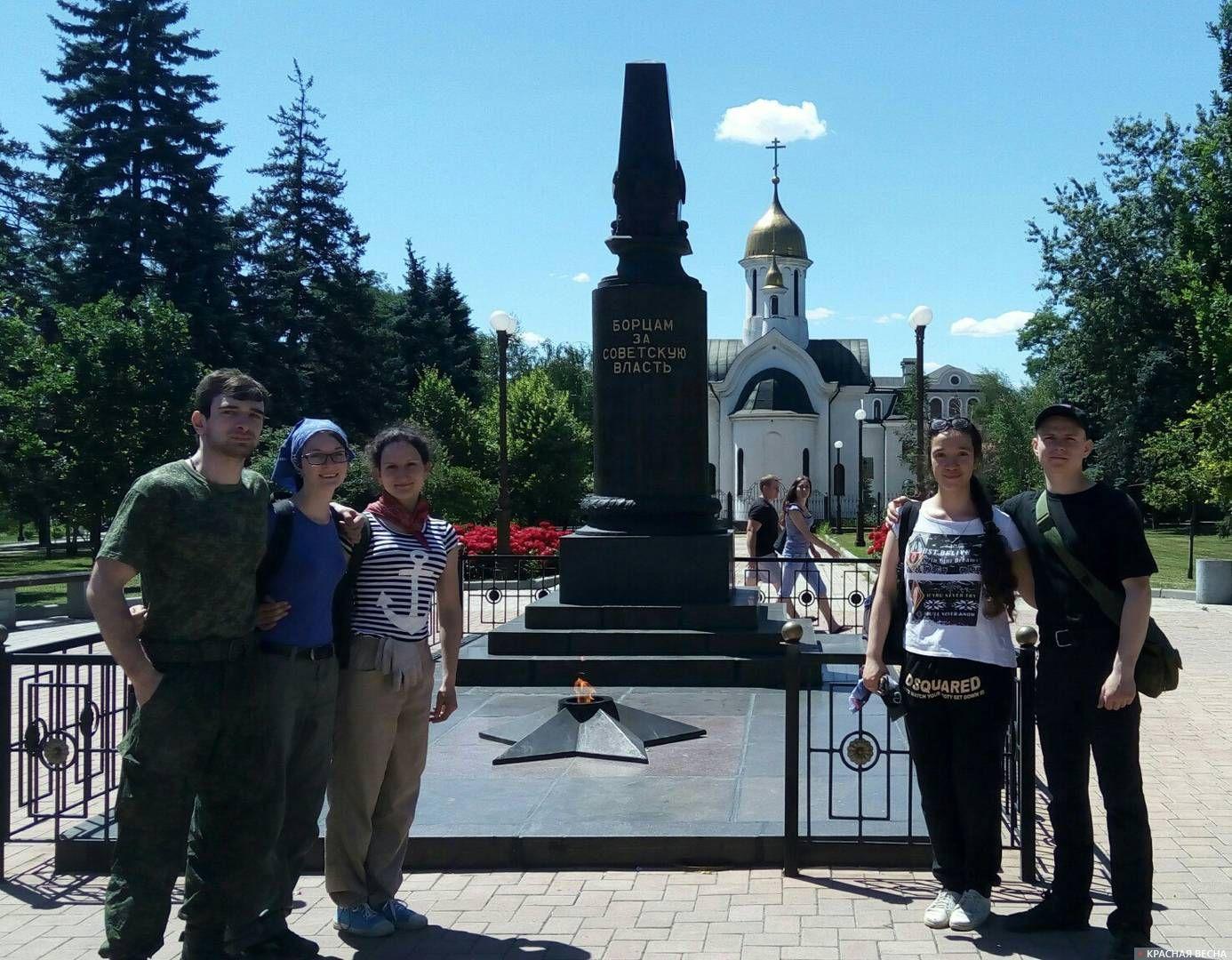 Строй-педагогический отряд из России в ДНР