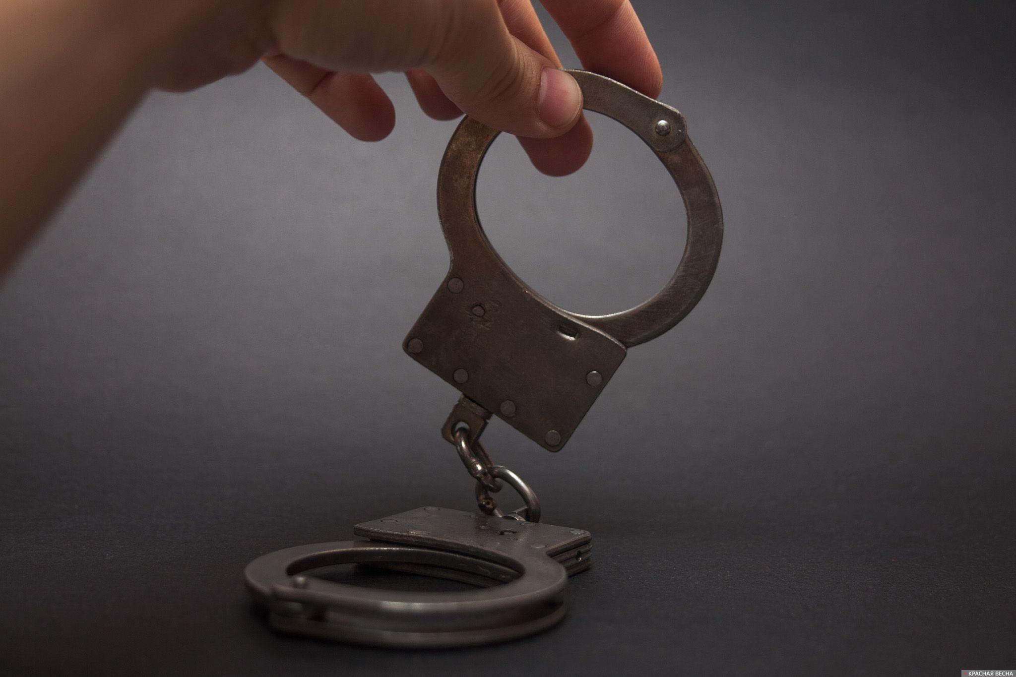 ВПетербурге суд арестовал следователя поподозрению вполучении взятки