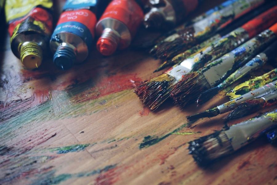 Кисти и краски [(cc)]