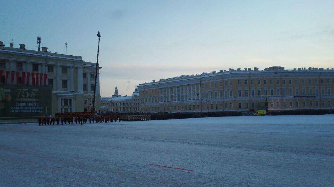 Парад на Дворцовой площади в Петербурге 27 января 2018 года