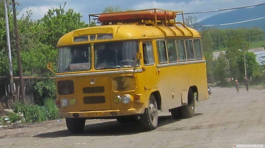 Автобус ПАЗ-672 на газу.