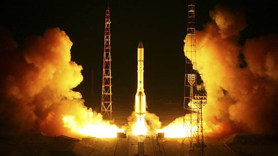 Ночной старт рекеты-носителя «Протон-М»