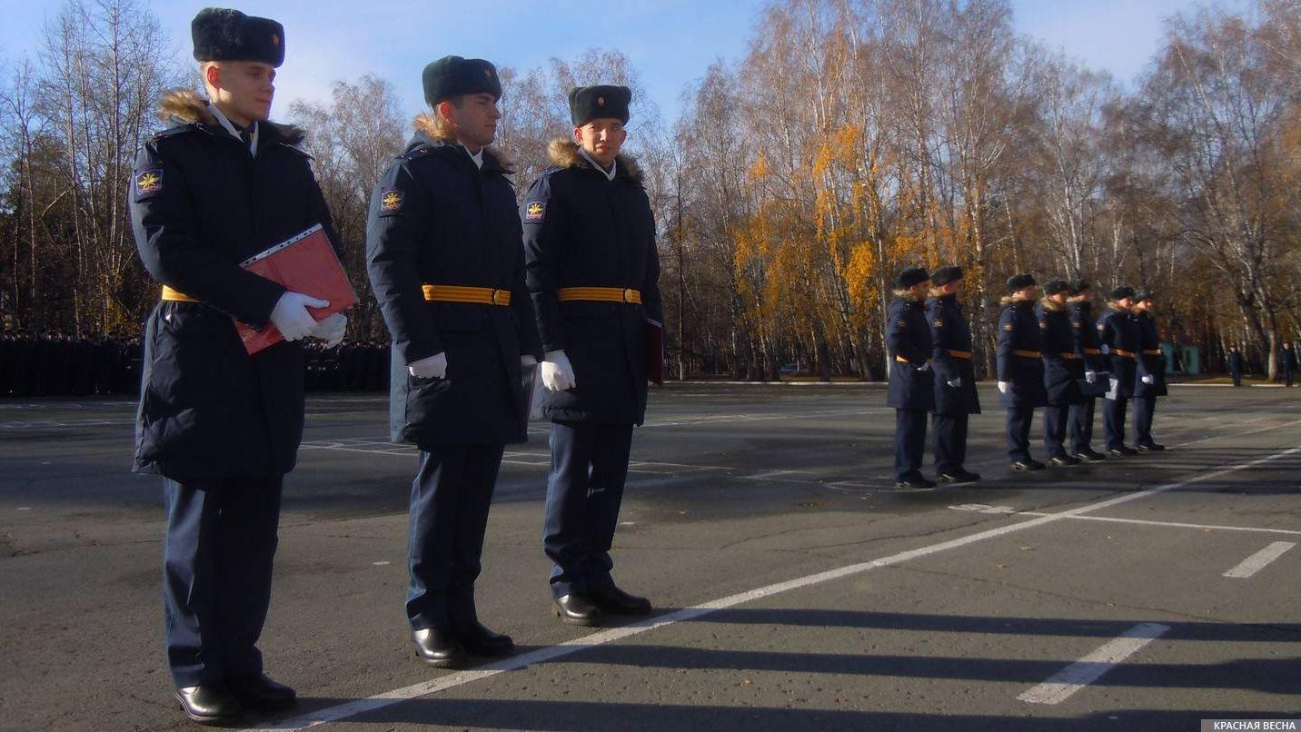 Офицеры, получившие диплом с отличием