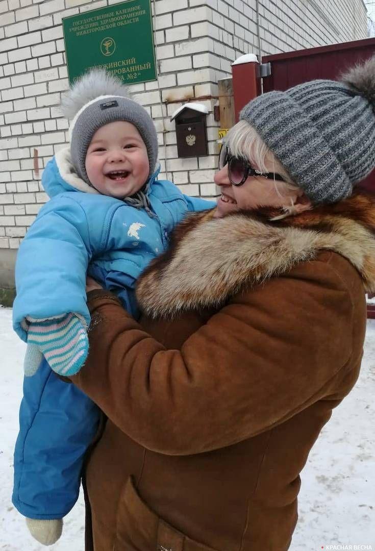 Наталья Георгиевна с внуком Сережей