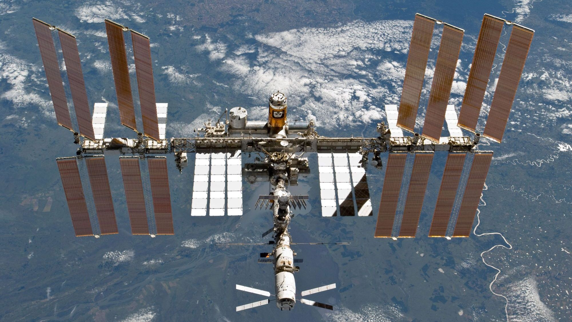 Орбиту МКС «подправят» для стыковки с«Прогрессом МС-08»