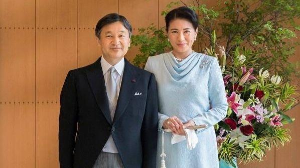 Император Нарухито с супругой