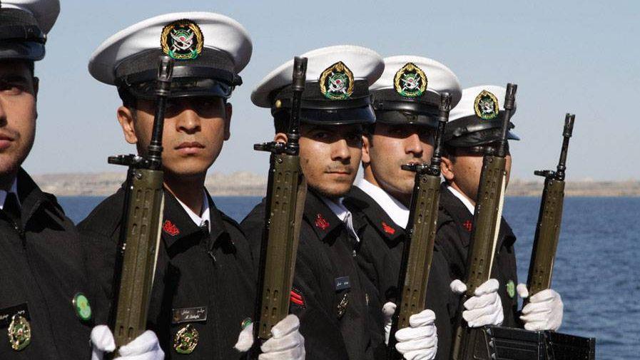 Иранские моряки