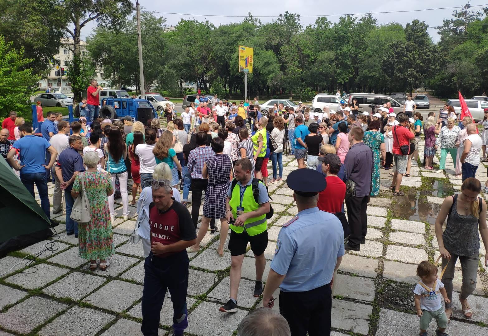 Митинг в Благовещенске против передачи автопарка скорой помощи в частные руки