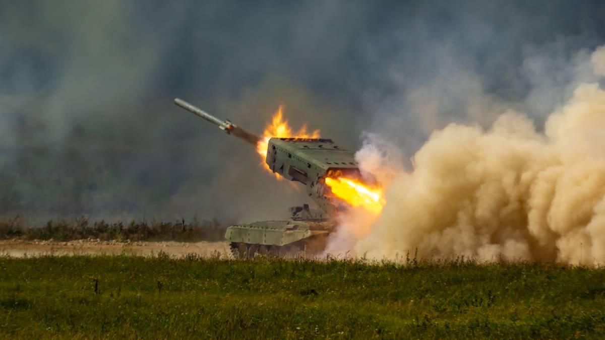ТОС-1А «Солнцепек» ведет огонь